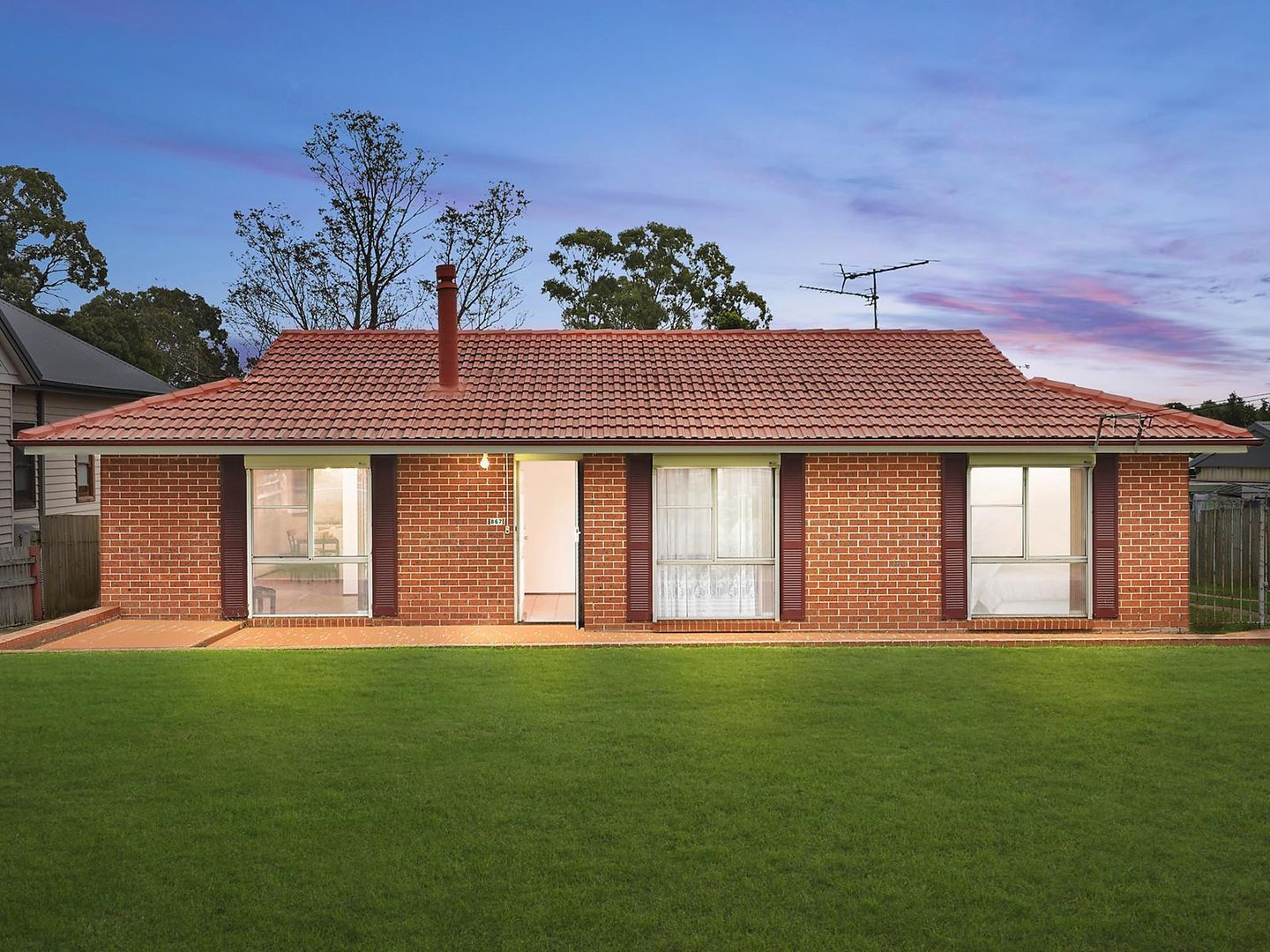 867 Montpelier Drive, The Oaks NSW 2570, Image 0