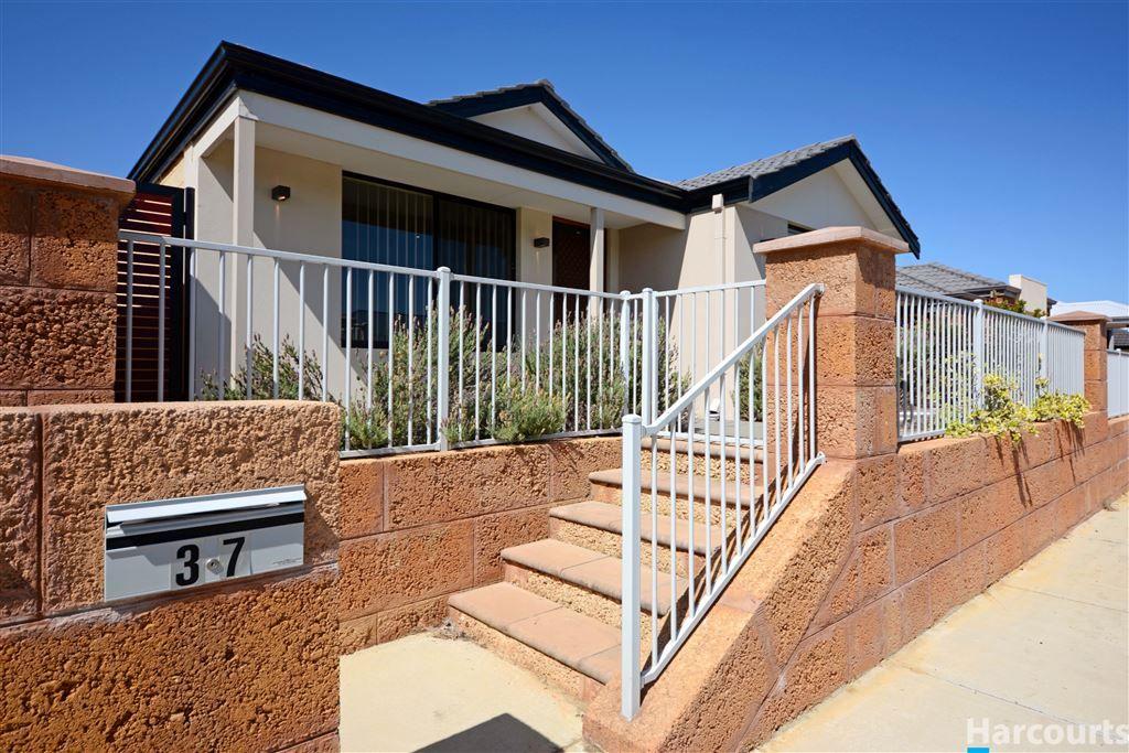 37 Splendens Avenue, Banksia Grove WA 6031, Image 1