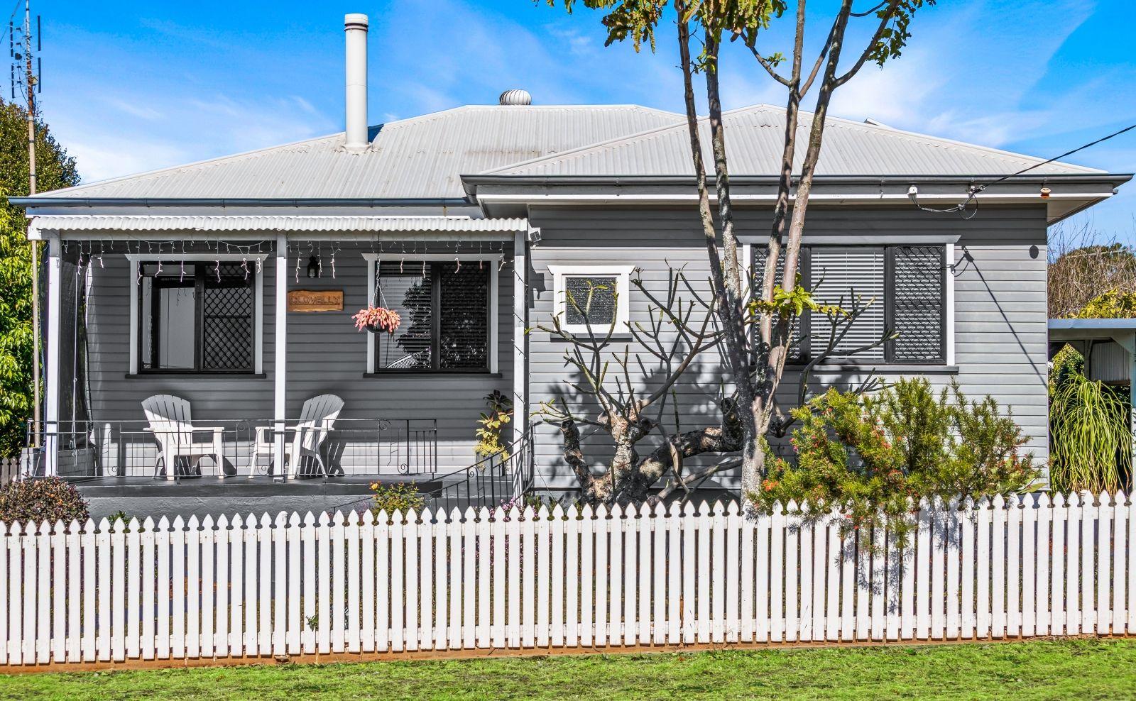 6 Farquharson Street, Harristown QLD 4350, Image 0