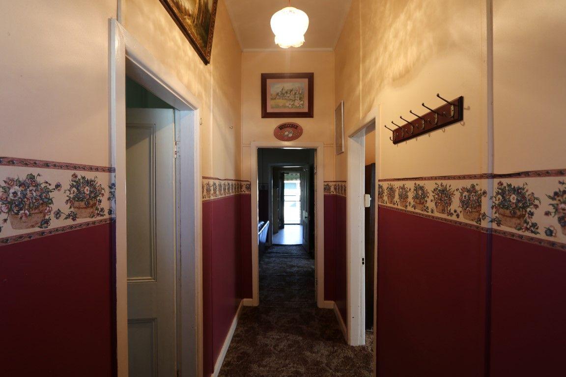 94 Hoskins Street, Temora NSW 2666, Image 2