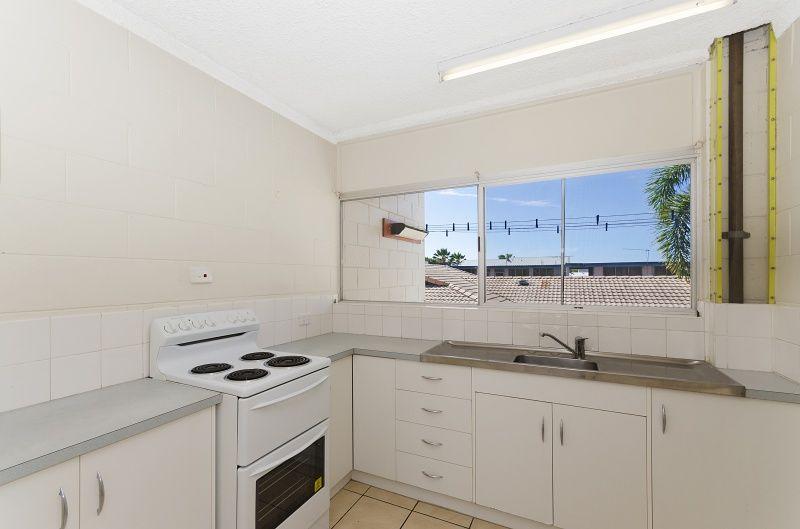 4/5 Rose Street, North Ward QLD 4810, Image 2