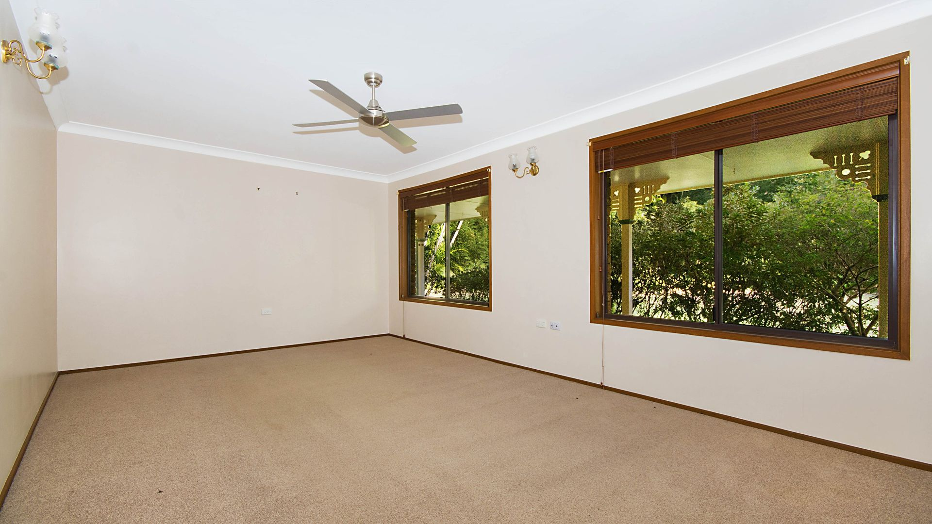 4 Middle Road, Woombah NSW 2469, Image 1