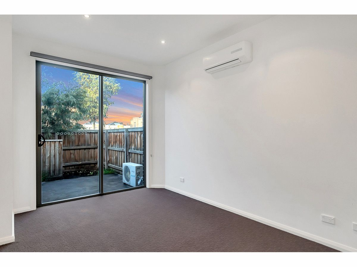 3/190 Gordons Road, South Morang VIC 3752, Image 2