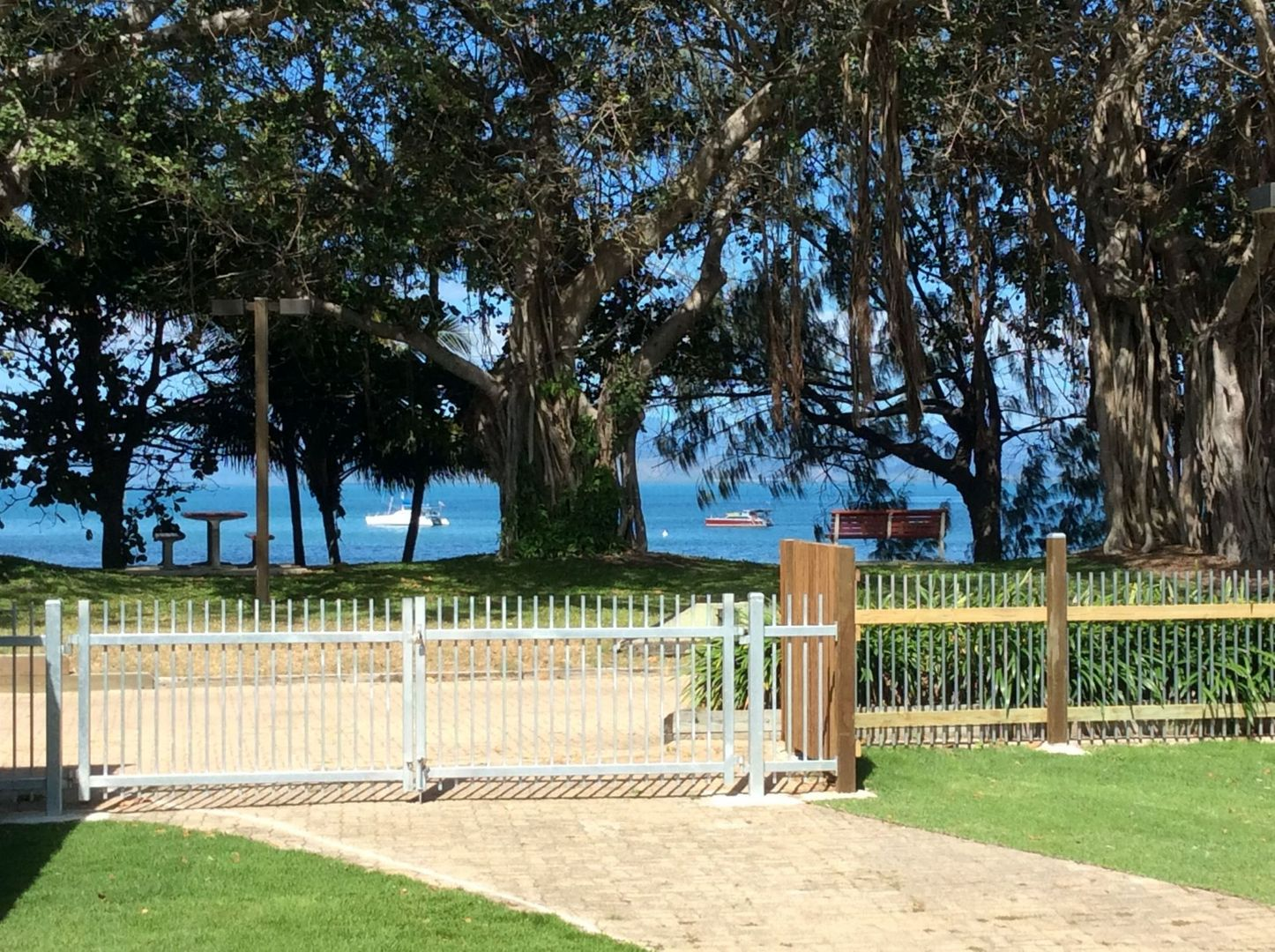 8 The Esplanade, Picnic Bay QLD 4819, Image 2