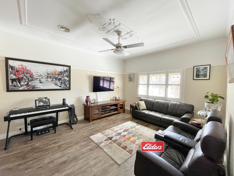 18 George Street, Bathurst NSW 2795, Image 2