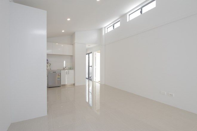 Picture of 14 Ganges Street, SOUTHERN RIVER WA 6110