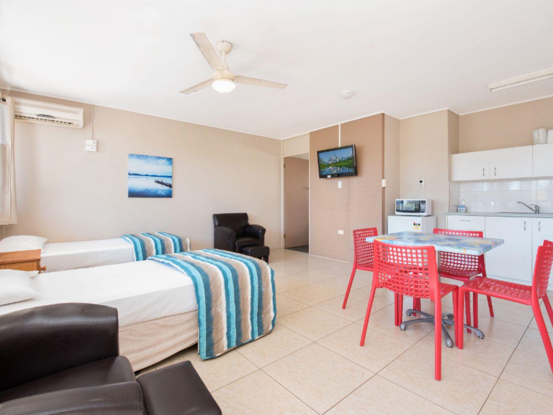 ID:3911874/2591 Gold Coast Highway, Mermaid Beach QLD 4218, Image 0