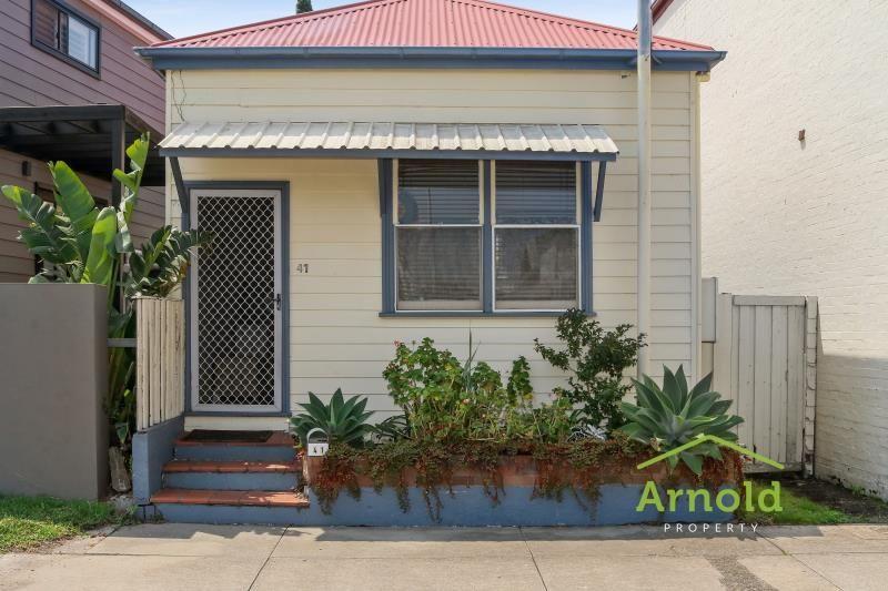 41 Robertson Street, Carrington NSW 2294
