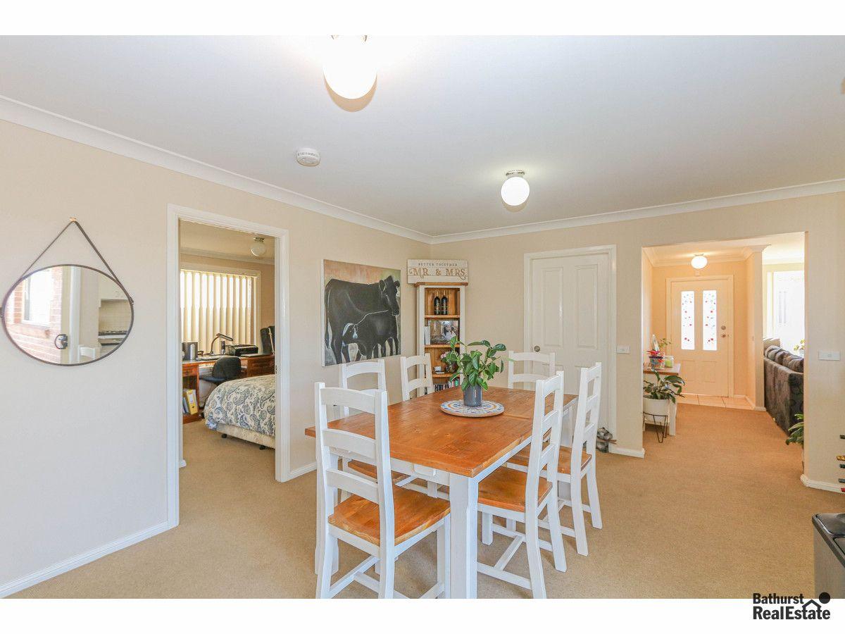 2 Oaklands Drive, Llanarth NSW 2795, Image 2