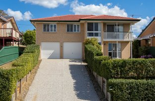 Picture of 62 Mingera Street, Mansfield QLD 4122