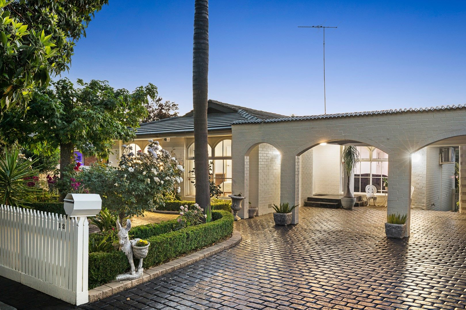 12 Worthing Avenue, Doncaster East VIC 3109, Image 0