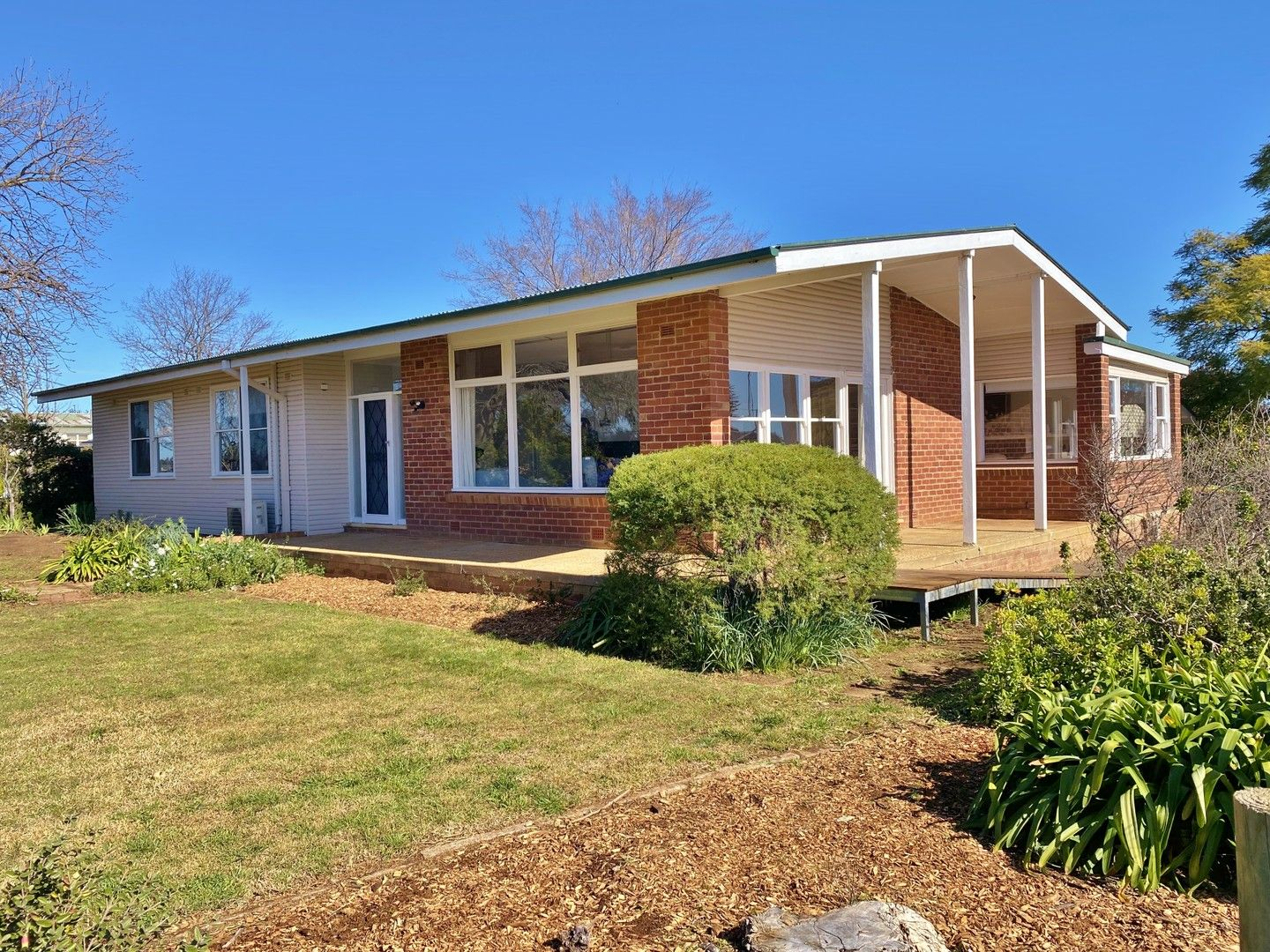 33 Hills Street, Young NSW 2594, Image 0