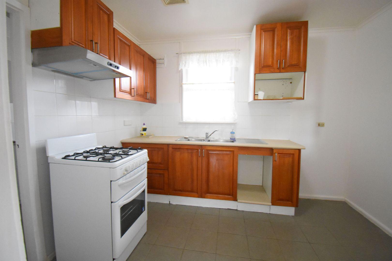 15 Wilco Avenue, Cabramatta West NSW 2166, Image 2