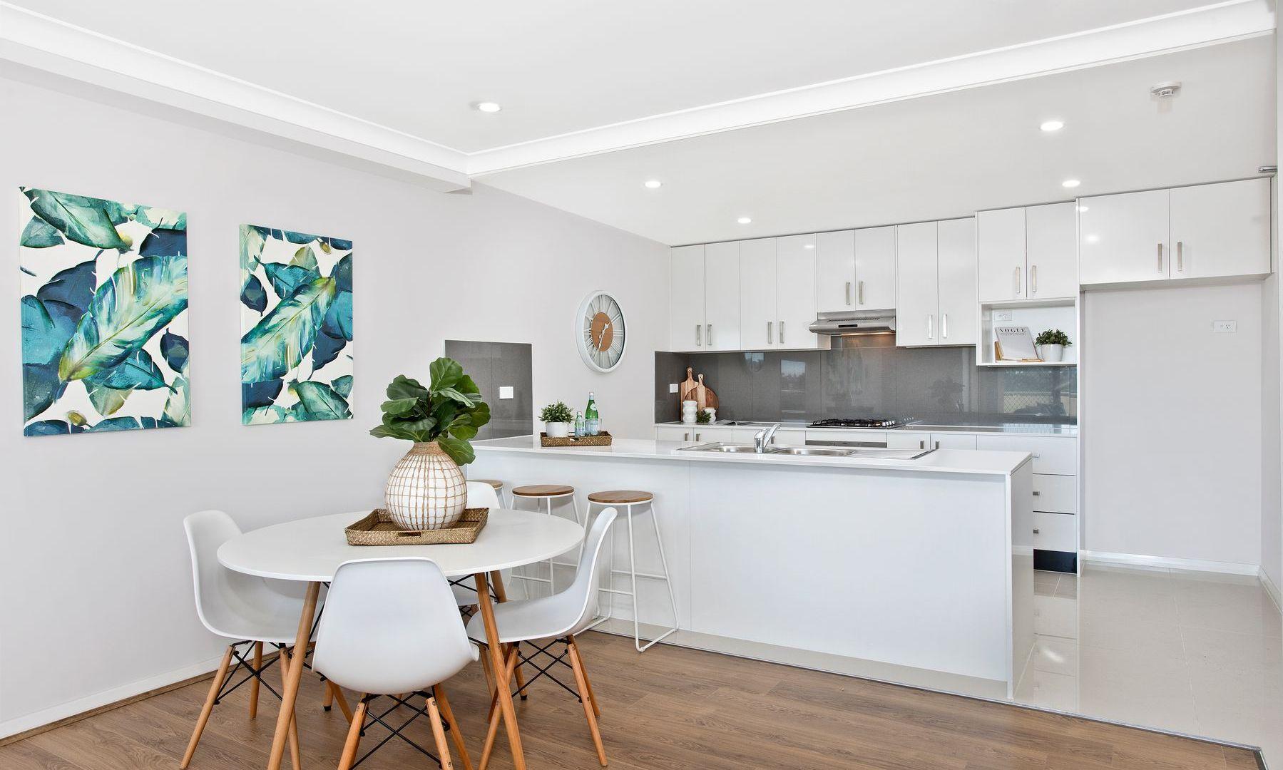 301/10 Cornelia Road, Toongabbie NSW 2146, Image 2