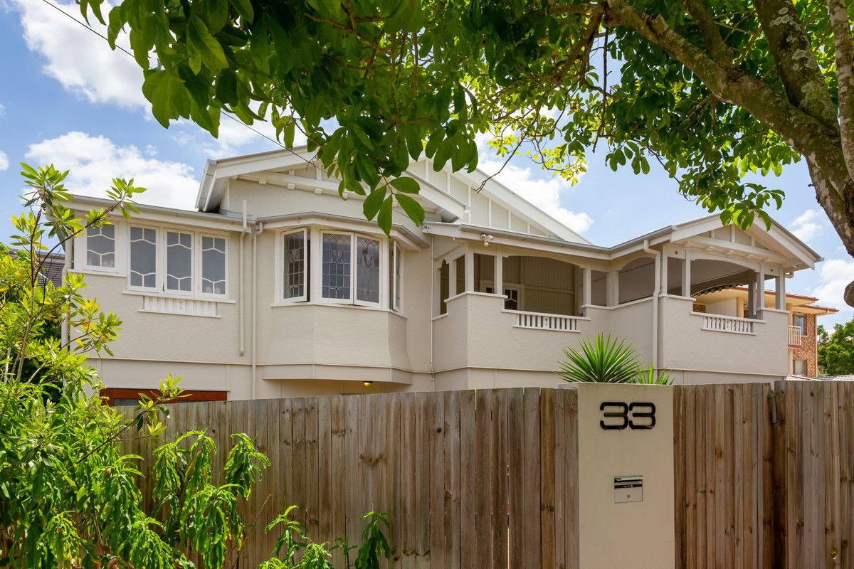 33b Crown Street, Holland Park West QLD 4121, Image 2