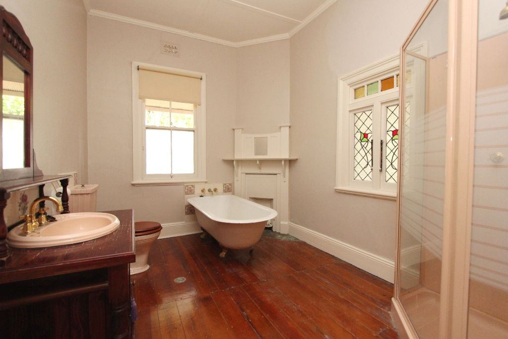 121 Peel Street, Bathurst NSW 2795, Image 2