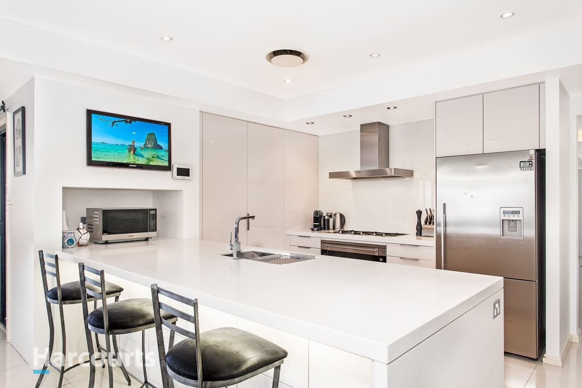2 Sandalwood Avenue, St Clair NSW 2759, Image 2