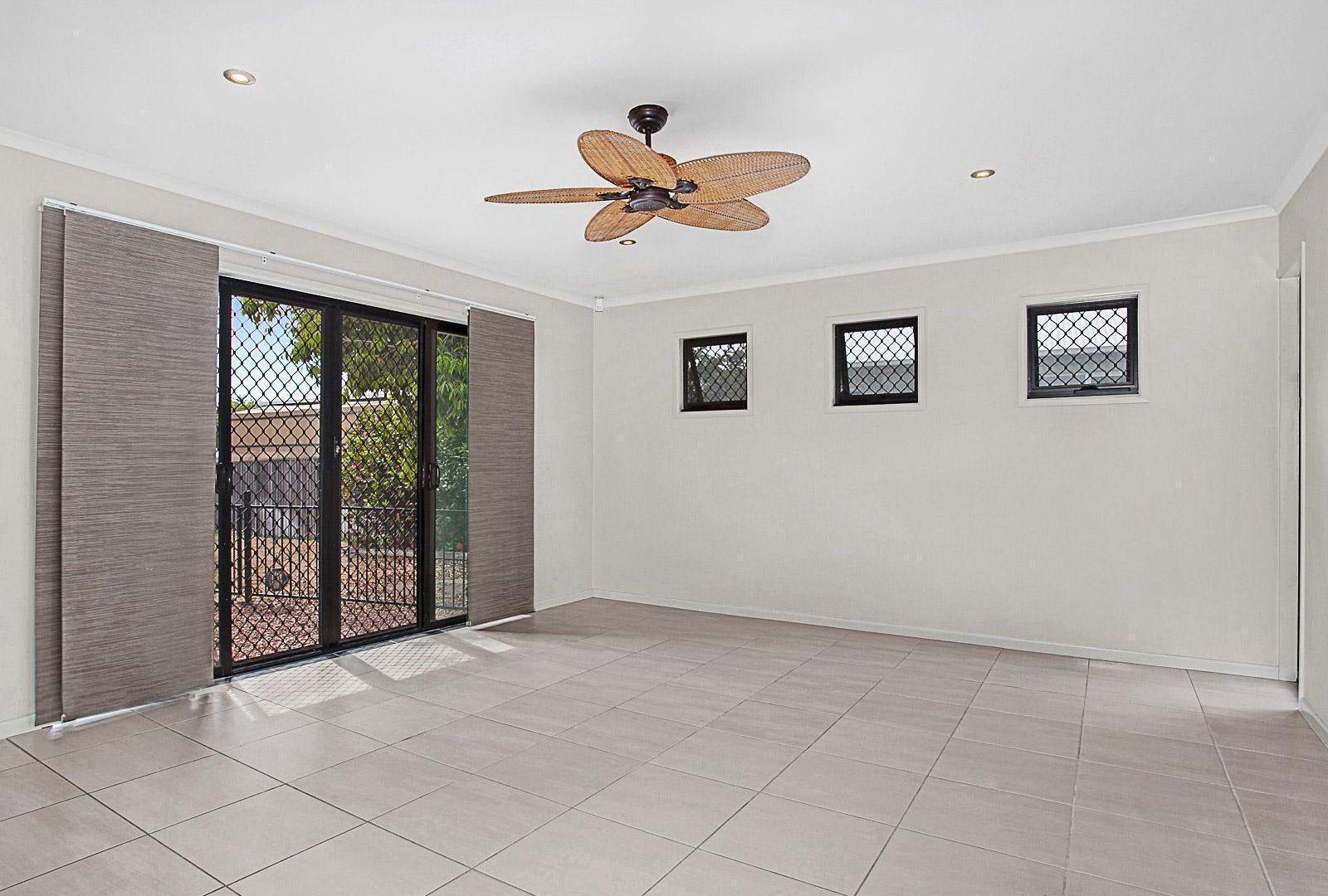 15 Shutehaven Circuit, Bushland Beach QLD 4818, Image 2