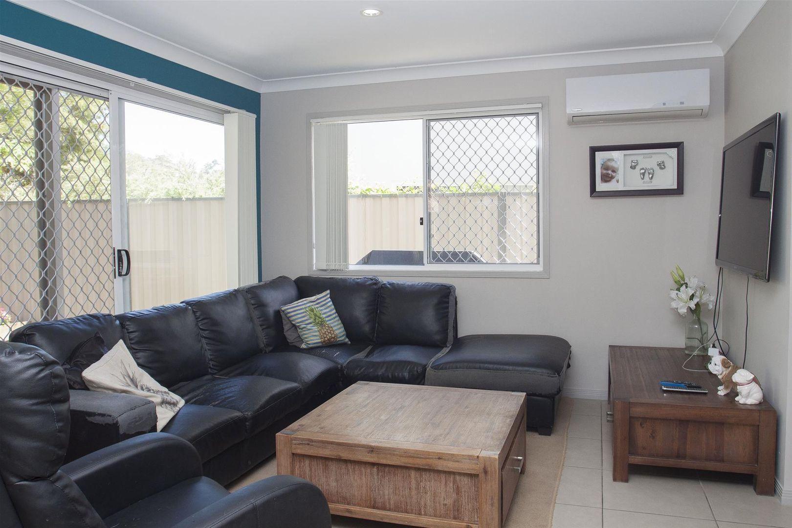 25/19 Gumtree Crescent, Upper Coomera QLD 4209, Image 2