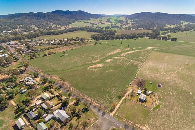 Picture of 34 Grevillea Avenue, EUGOWRA NSW 2806