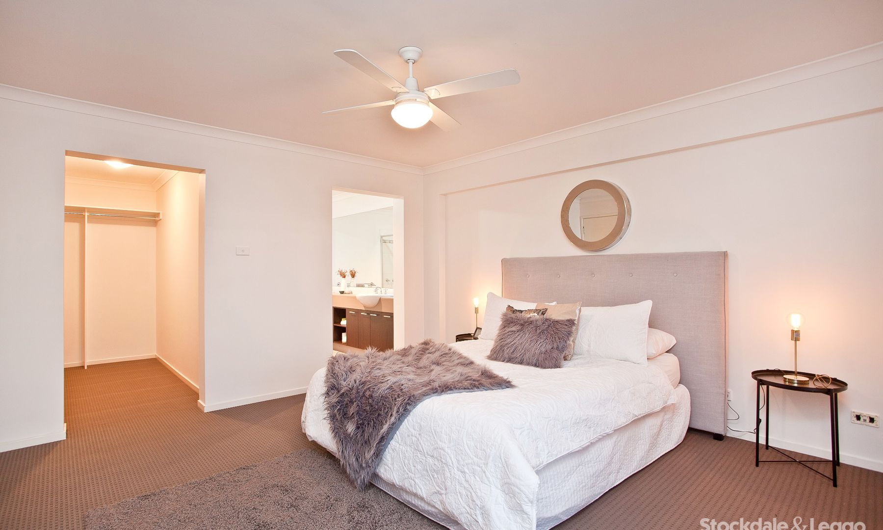 6 Dartmouth Chase, Derrimut VIC 3030, Image 2