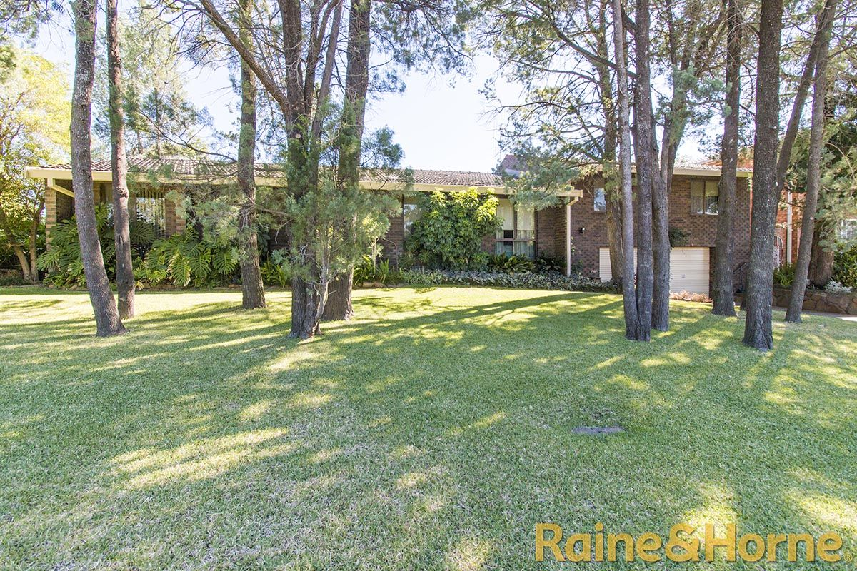 4 Greenslopes Court, Dubbo NSW 2830, Image 0
