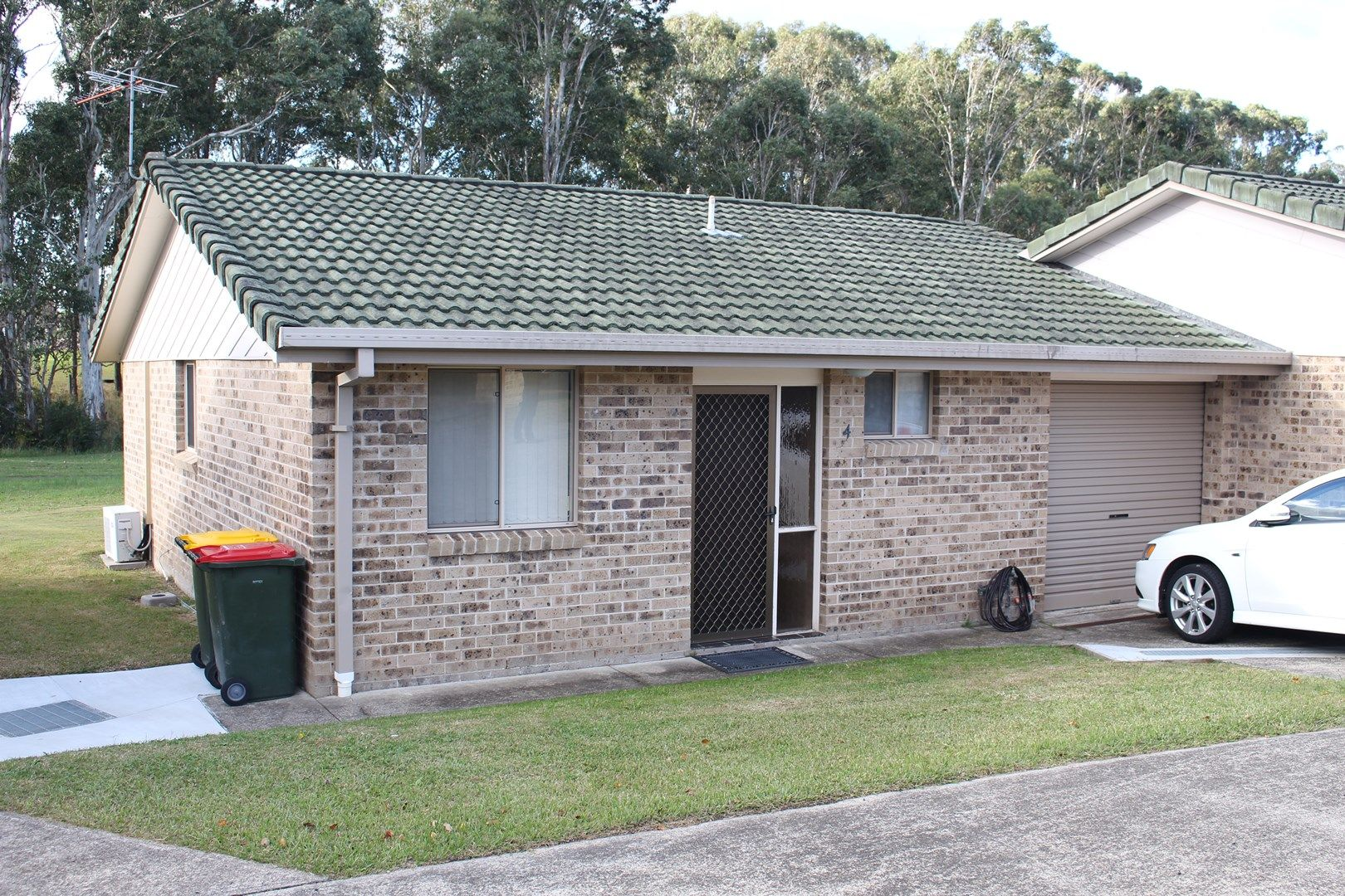Unit 4/1 Carter Cres, Gloucester NSW 2422, Image 0