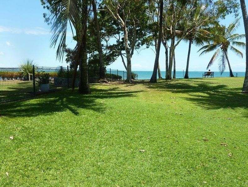 1/18 Beach Road, Dolphin Heads QLD 4740, Image 1