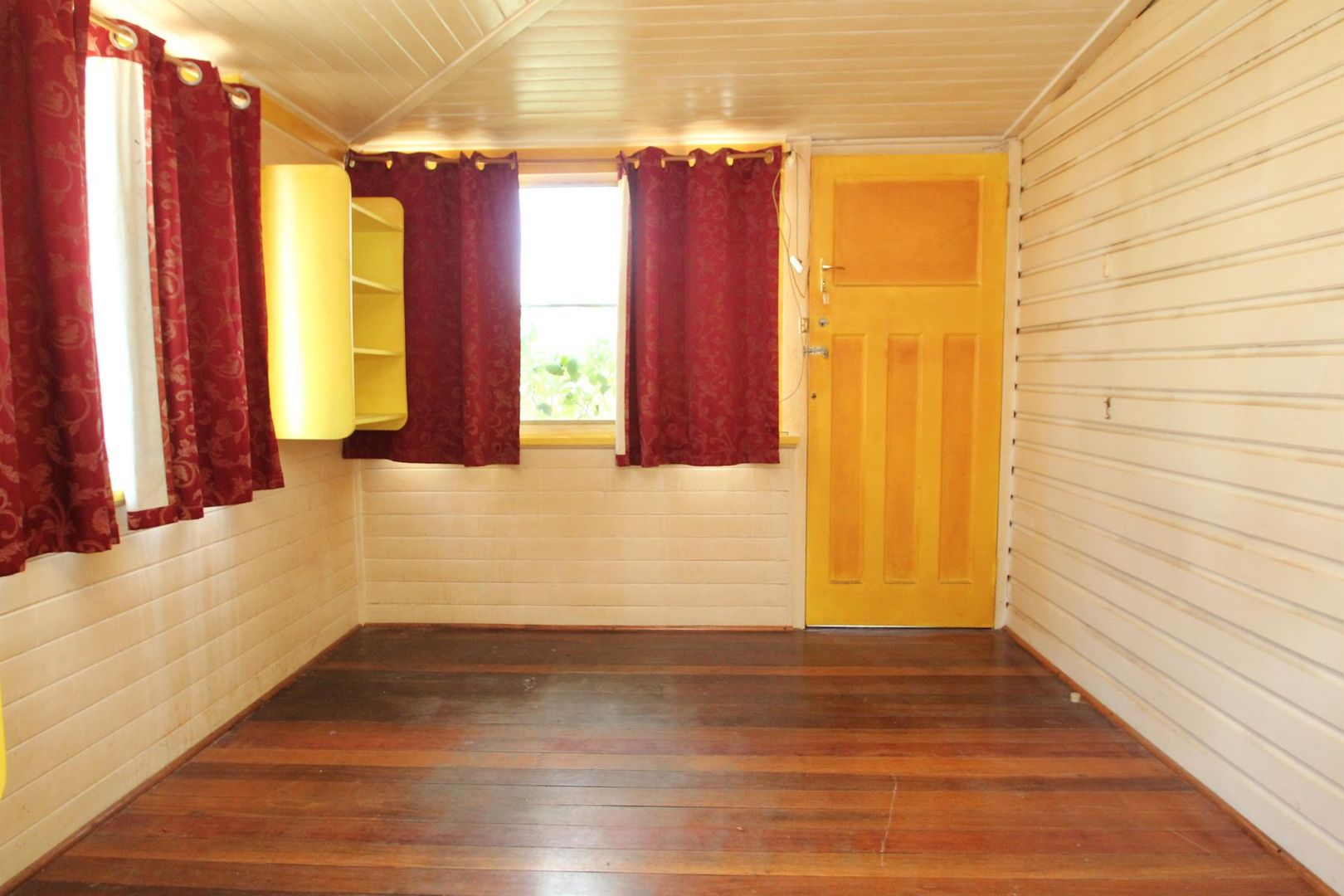 142 Petrie Street, Tenterfield NSW 2372, Image 2