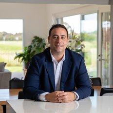 Nunzio Giunta, Sales Manager