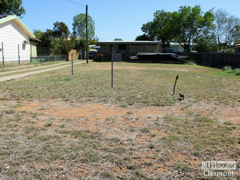 2/11 French Court, Clermont QLD 4721, Image 1