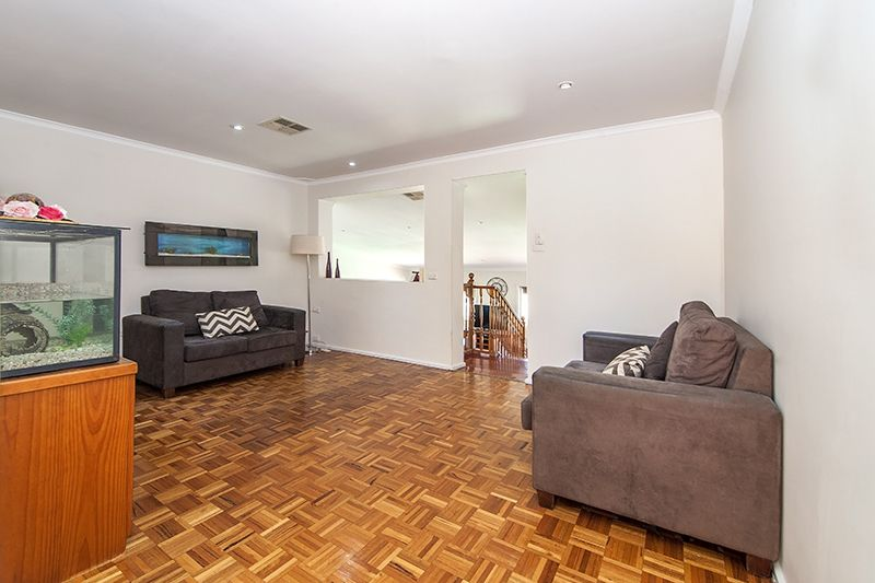 8 Durness Place, St Andrews NSW 2566, Image 1
