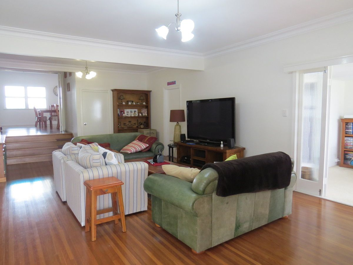 20 Elgin Street, The Range QLD 4700, Image 2