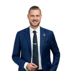 Marc Oliver, Sales representative