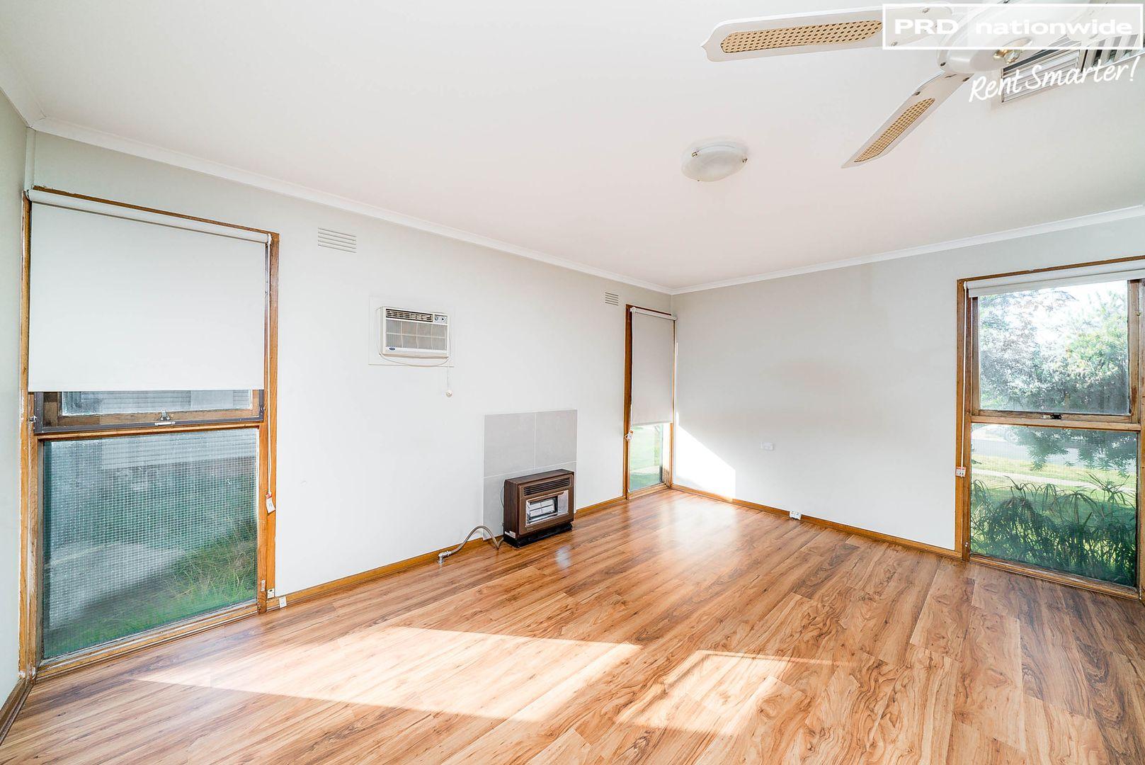 15 Chifley Crescent, Kooringal NSW 2650, Image 0
