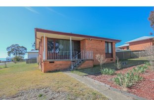 Picture of 8 Aloota Street, South Bathurst NSW 2795