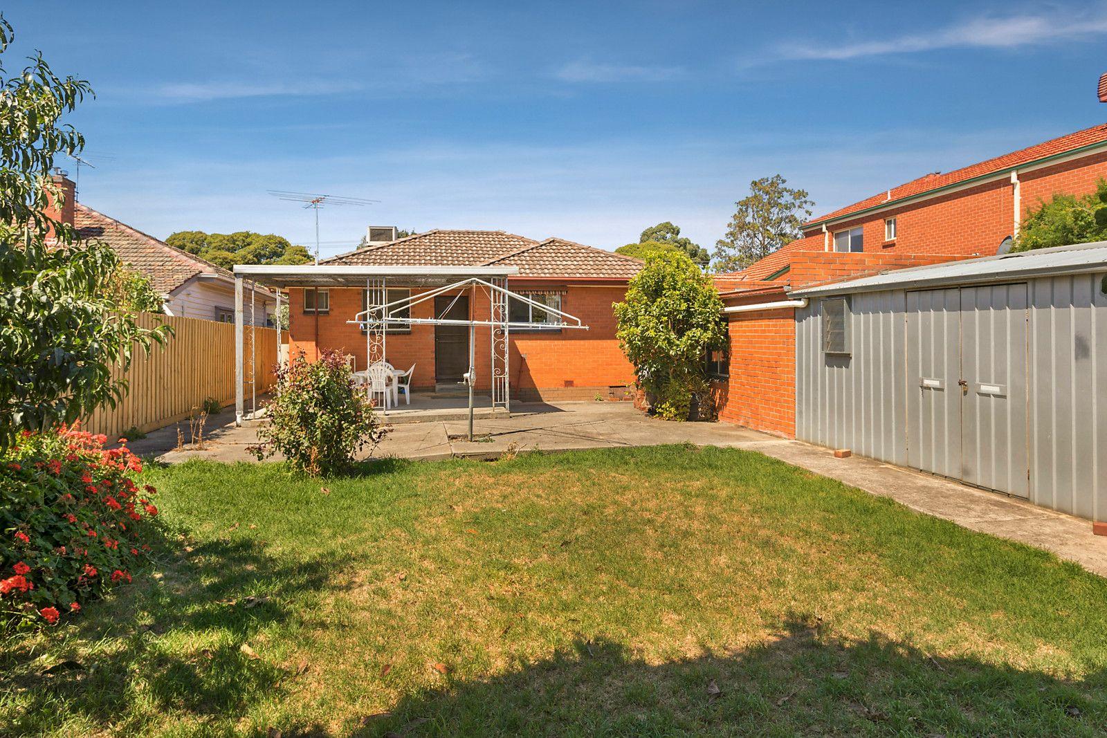 33 Bruce Street, Coburg VIC 3058, Image 2