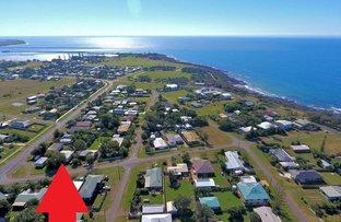 4 Mckenzie St, Burnett Heads QLD 4670
