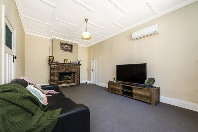 Picture of 92 Robinson Street, GINGIN WA 6503