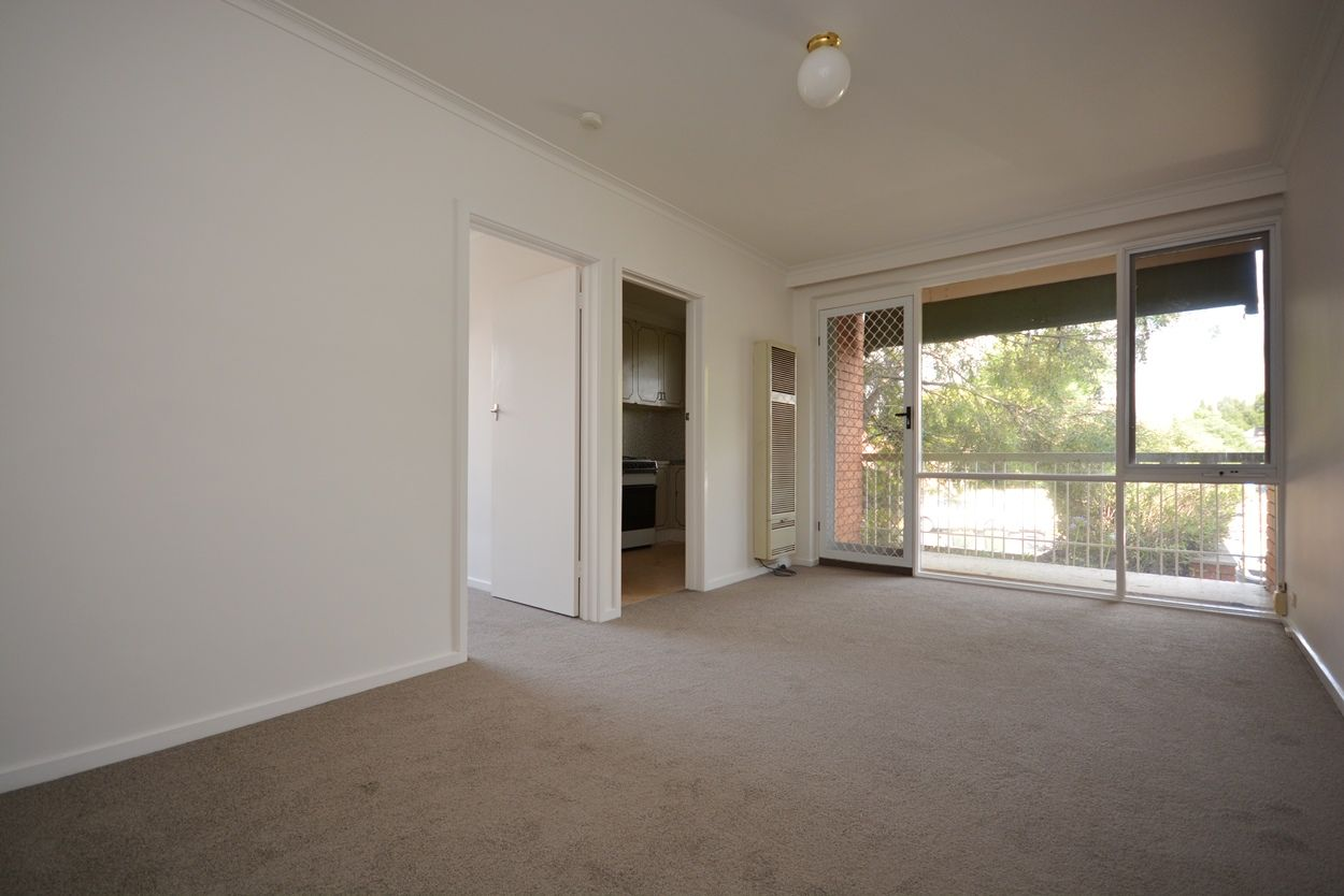 2/11 Downshire Road, Elsternwick VIC 3185, Image 2