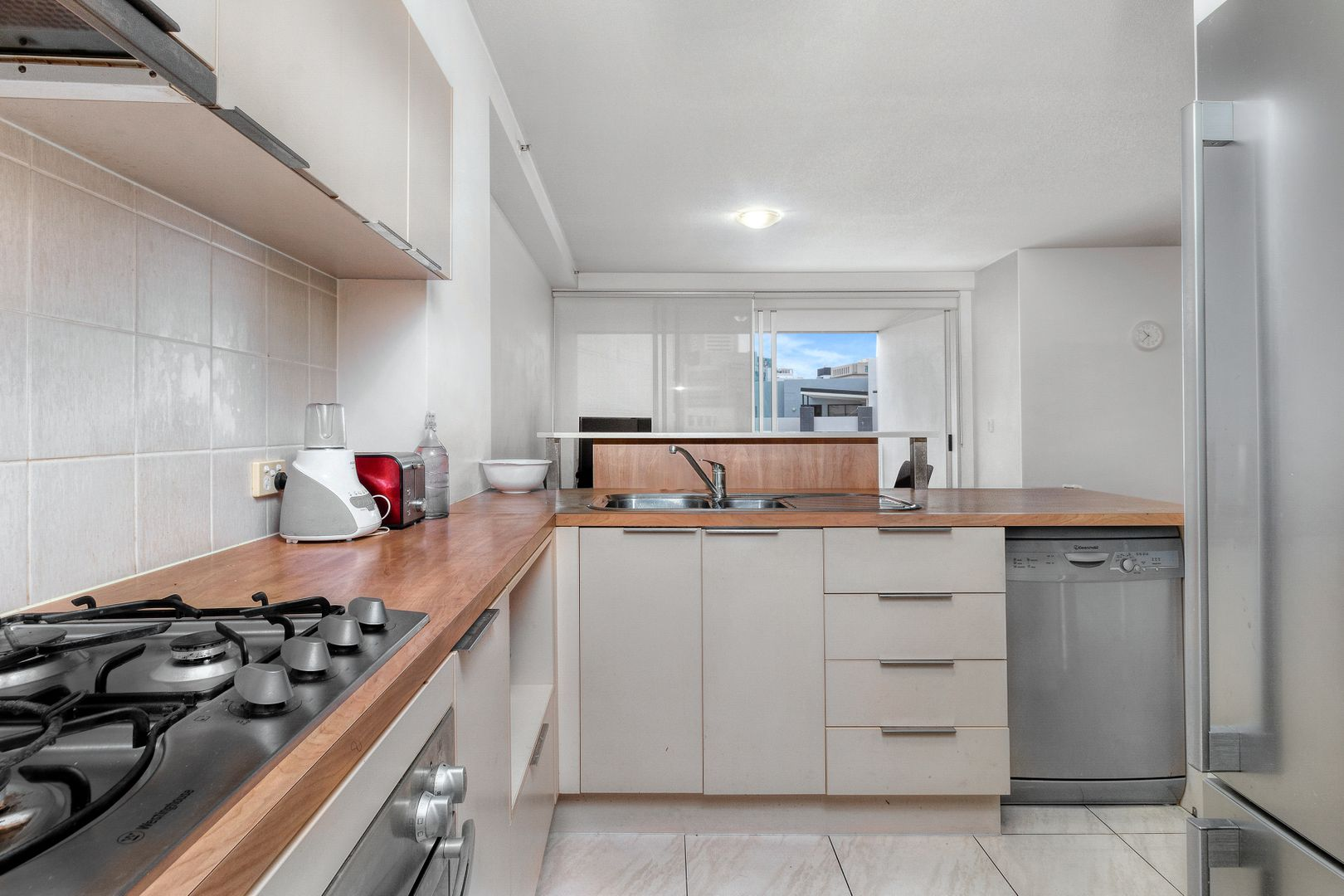 123/170 Leichhardt St, Spring Hill QLD 4000, Image 2