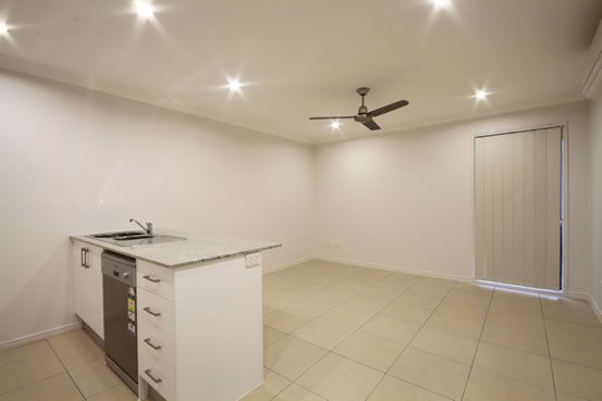 2/6 Adam Court, Kallangur QLD 4503, Image 1