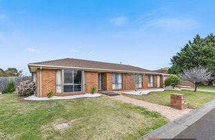 Picture of 2 Lindenow Court, Cranbourne North VIC 3977
