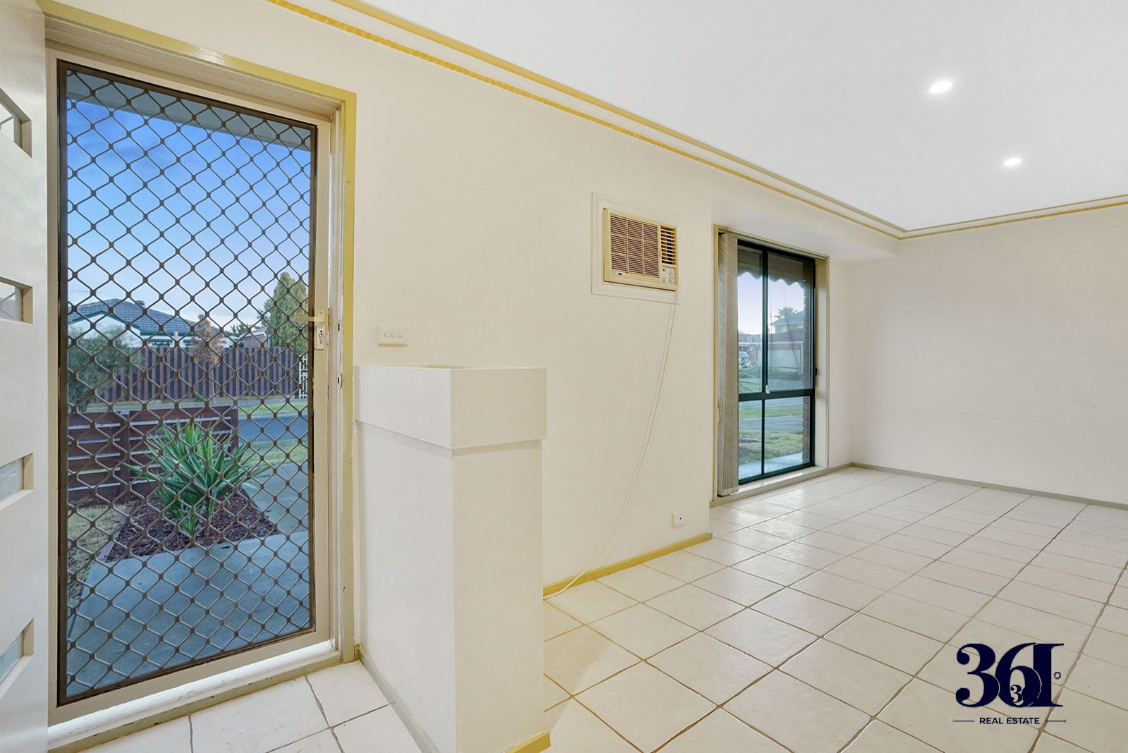 10 Alsace Avenue, Hoppers Crossing VIC 3029, Image 1