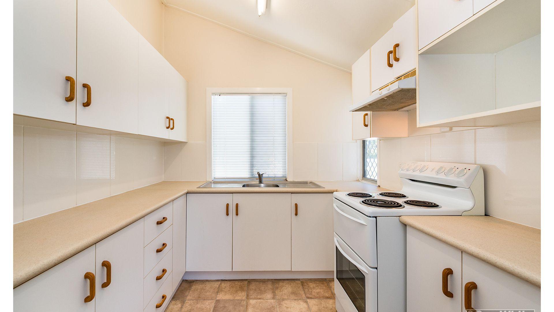 249A Moore Street, Berserker QLD 4701, Image 2