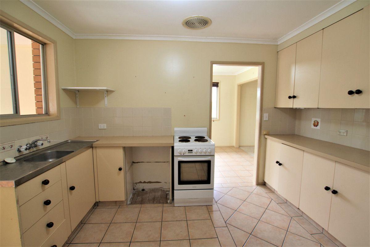 21 Wentworth Avenue, Molendinar QLD 4214, Image 2