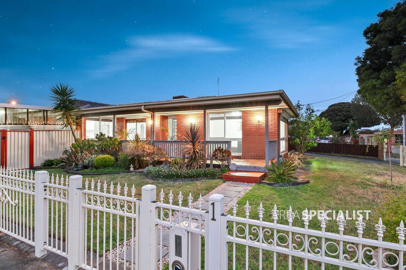1 Westview Court, Springvale South VIC 3172, Image 0