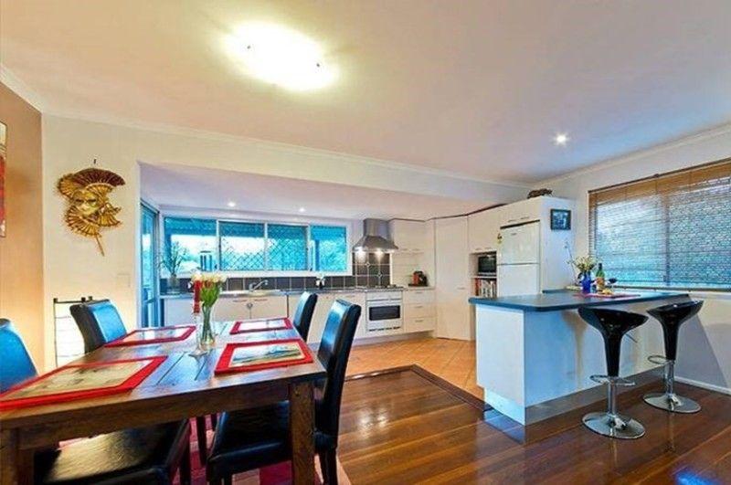 82 Narellan Street, Arana Hills QLD 4054, Image 2