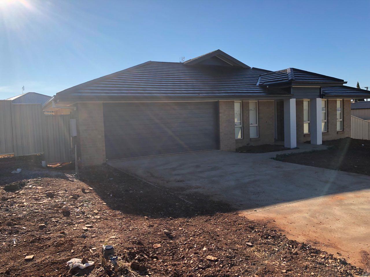 3 Jacaranda Road, Parkes NSW 2870, Image 0
