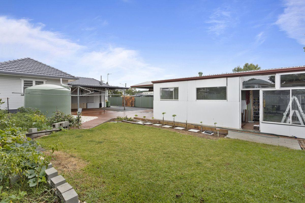 42 Cay Street, Newtown QLD 4350, Image 2